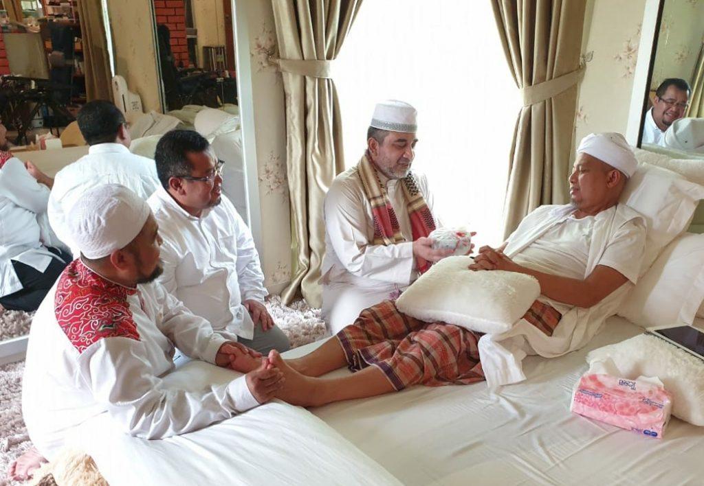 Keterangan Foto: Bersama K.H. Arifin Ilham, ACT memiliki rekaman sejumlah perjalanan kemanusiaan
